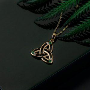 Solvar 14K Gold Diamond & Emerald Trinity Knot Pendant Necklace