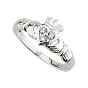 14K White Gold .18ct Diamond Claddagh Ring s2622