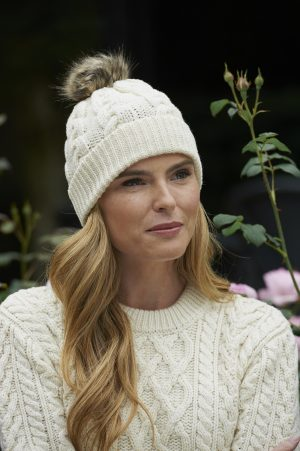 Aran Cable Knit Pom Pom Hat x4844