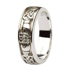 Claddagh Wedding Band Ladies Diamonds Set with Celtic Knotwork