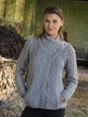 Aran Women's Soft Gray Three Button Cardigan