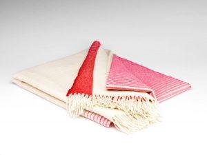 McnuttFuchsia Ómbre Supersoft Blanket