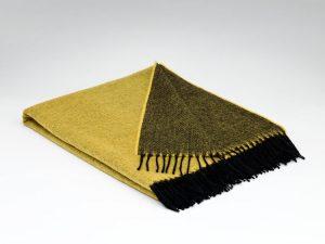 McNuttBumblebee Reversible Supersoft Blanket