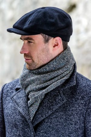Mucros Black Driving Cap