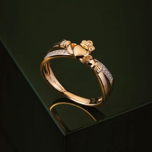 Solvar Gold Diamond Claddagh Kiss Ring