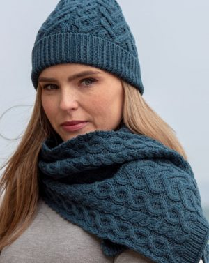 Aran Super Soft Heart Teal Scarf